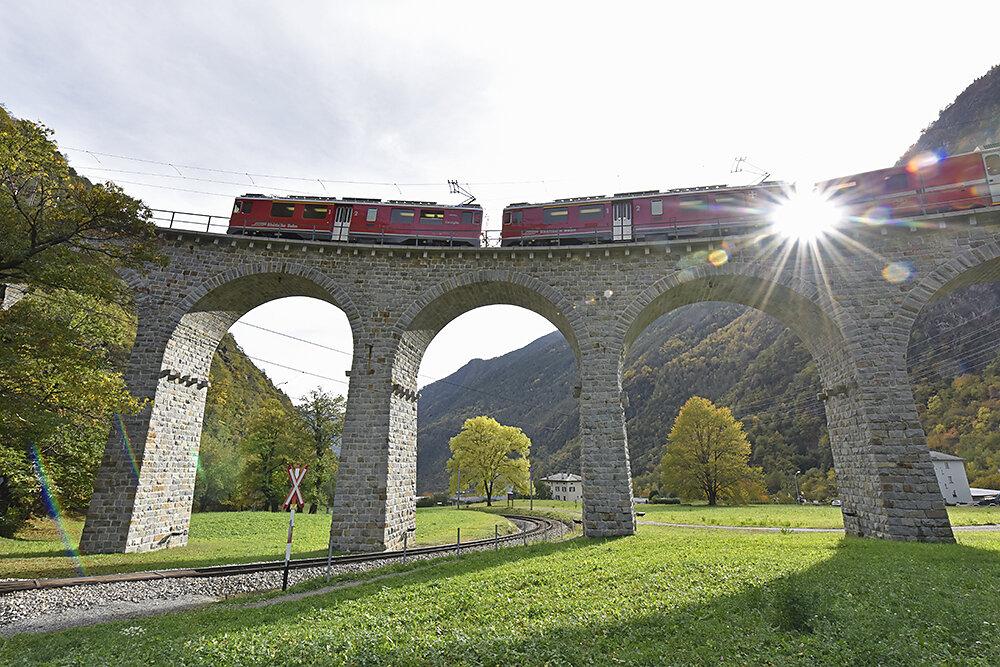 Grand-Train-Tour-of-Switzerland.JPG